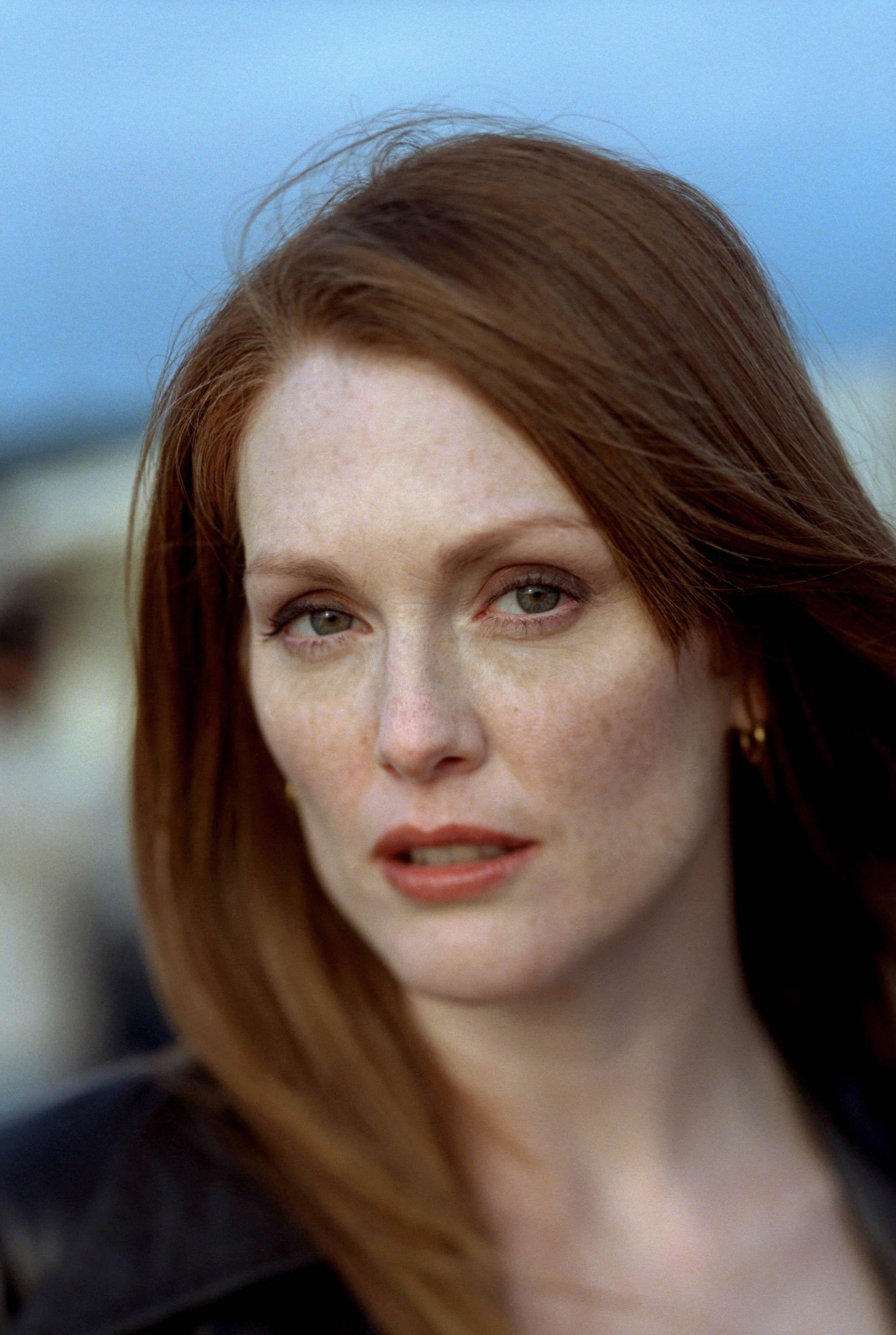 Julie Moore Net Worth